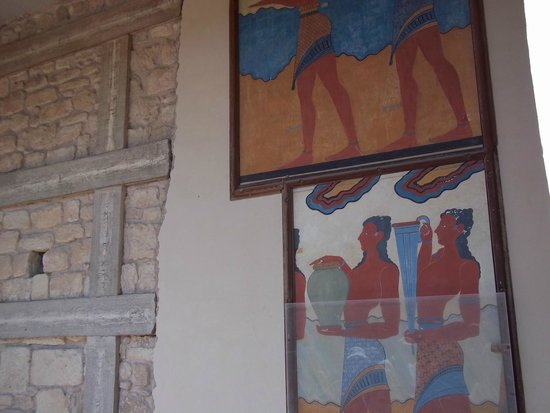 The Palace of Knossos: Reproductions: the original at the Heraklion Archaeological museum