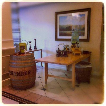 Hilton Garden Inn Yakima: The lobby
