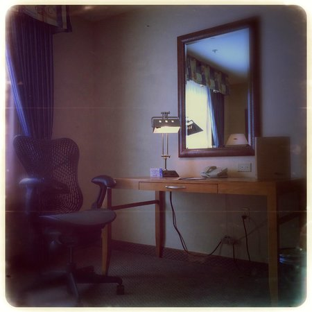 Hilton Garden Inn Yakima: The writing desk