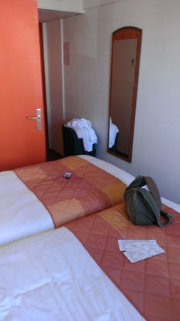 Comfort Hotel Airport CDG : small room