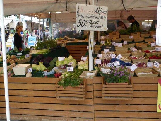 Viktualienmarkt: Market