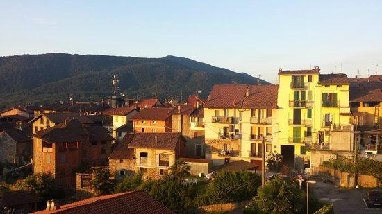 Albergo Ristorante Stampa: Nachbarschaft im Abendlicht