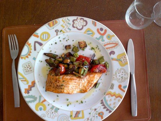 Teste e Lische: Salmone con verdure al forno.