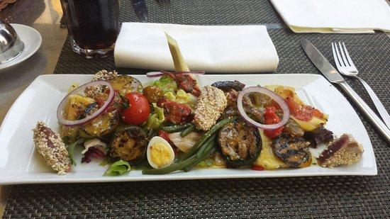 Moevenpick Hotel Lausanne Restaurant : Salade niçoise