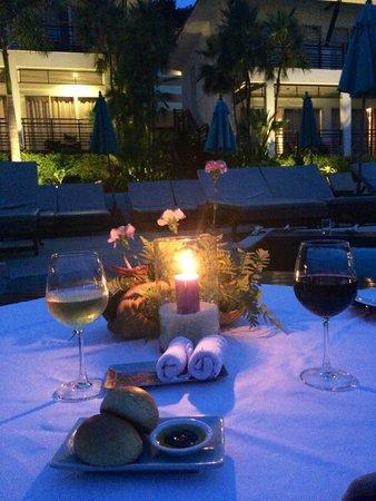 Mantra Samui Resort : Our last night dinner poolside table