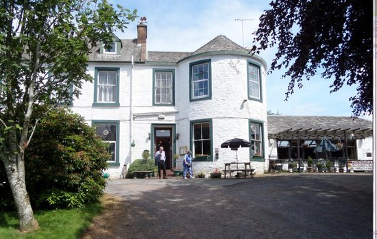 The Manor Country House Hotel: Hotel front of house