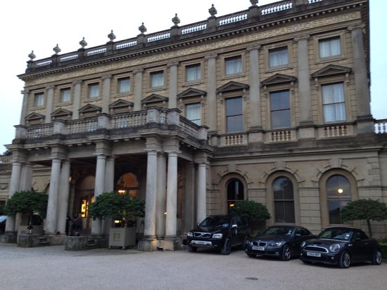 Cliveden House: Front of the hotel
