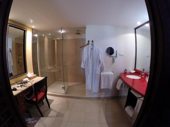 Club Med La Caravelle: Salle de bain sympa