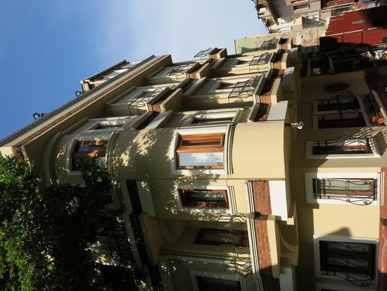 Berce Hotel: Outside of the hotel