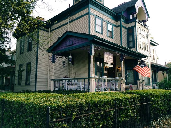 Harrison House Bed & Breakfast: home sweet home