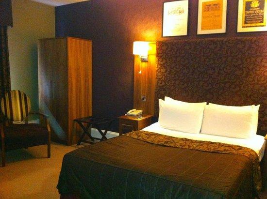 Hallmark Hotel Derby Midland: Our room
