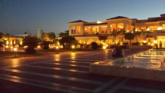 Jaz Mirabel Beach: Main building at night - stunning!