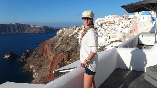 Art Maisons Luxury Santorini Hotels Aspaki & Oia Castle : My wife is bloking the view