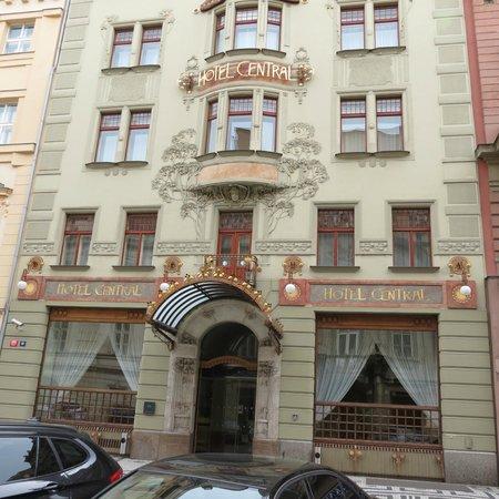 K+K Hotel Central: Entrance to K and K Central