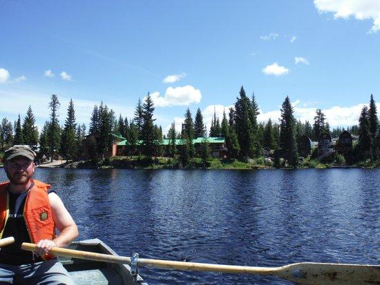 Idabel Lake Resort : view of the resort fishing