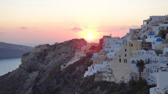Art Maisons Luxury Santorini Hotels Aspaki & Oia Castle: Sunset View