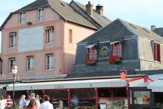 Bistro La Grenouille - Hotel L'Absinthe : la façade