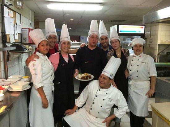 Swissotel Lima: Nuestros amigos de la cocina
