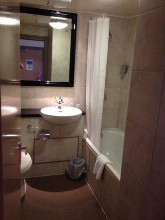 Greswolde Arms Hotel: bathroom