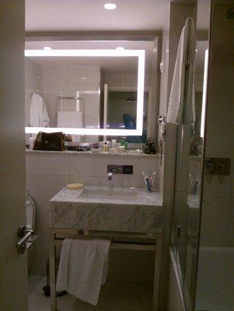 Hilton London Angel Islington : il bagno