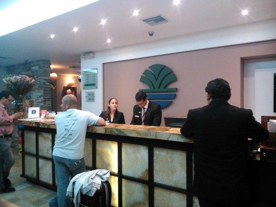 Hotel Ramada: Recepción