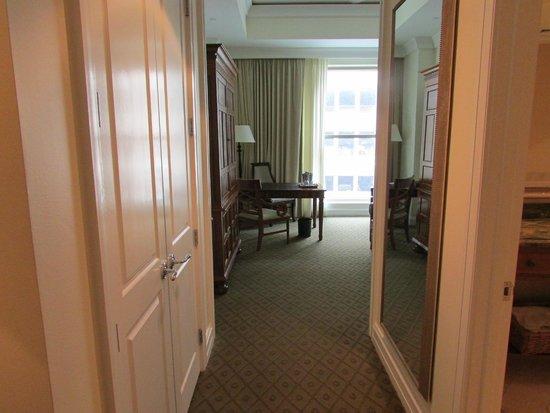 Mokara Hotel and Spa : view upon entrance