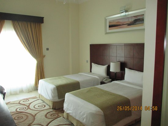 Rose Garden Hotel Apartments - Bur Dubai: bedroom 1