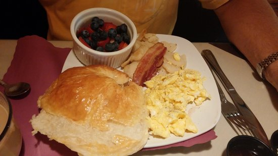 Cafe Saint-Amand: French Breakfast with Croissant and side of fresh fruit!  DELICIOUS!