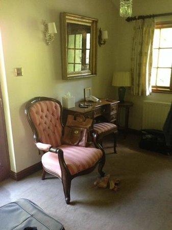 Miller Howe Hotel & Restaurant: seating area