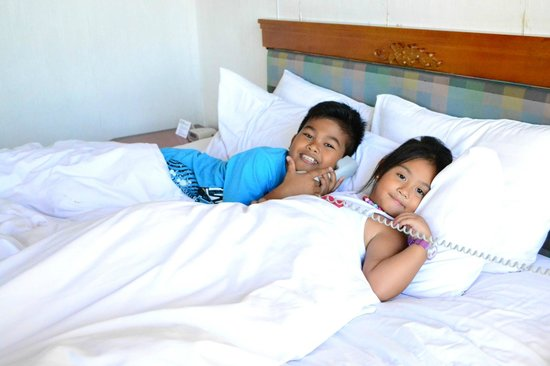 Holiday Inn Manila Galleria : My Nephew and My Daughter