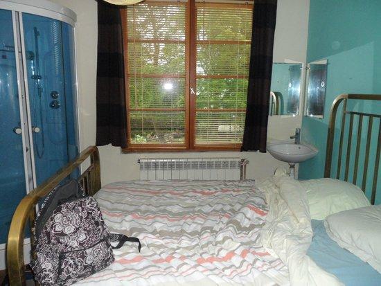 chambre avec douche sans wc picture of au rendez vous des huttiers fort mahon plage tripadvisor. Black Bedroom Furniture Sets. Home Design Ideas