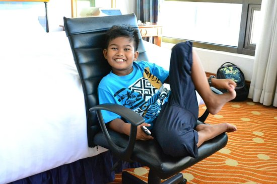 Holiday Inn Manila Galleria : My Nephew