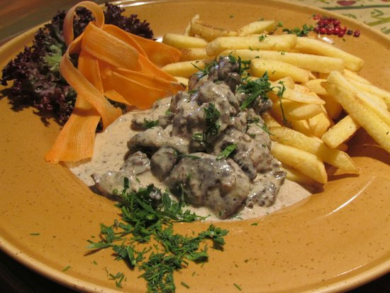 PROVINCE : Chicken Livers in a creamy mustard sauce with Fries