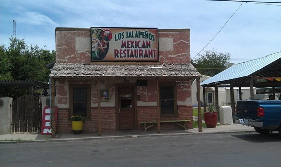 Los Jalapenos Cafe: The food is made fresh as you wait so you need to be prepared to wait, but it is well worth it.