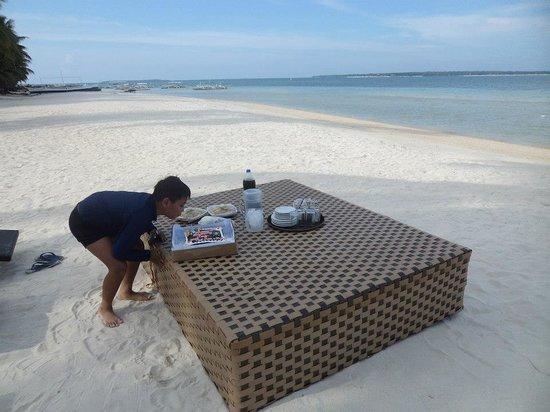 Anika Island Resort: My son celebrating his bday by the beach..