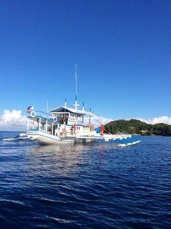 Easy Diving and Beach Resort: Safari boat