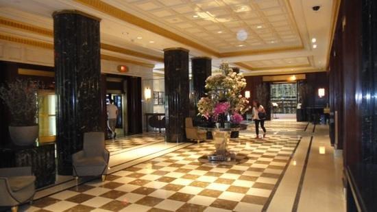 JW Marriott Essex House New York: Hotel Lobby