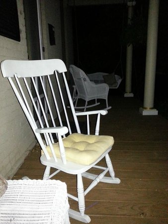 Freshwater Retreat: front porch at night