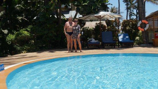 Bamboo Village Beach Resort & Spa: У бассейна