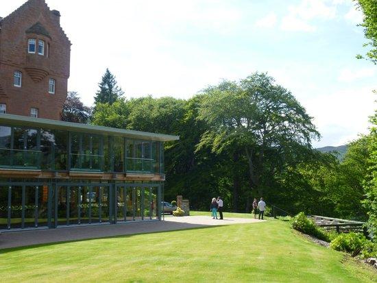 Fonab Castle Hotel: Hotel grounds