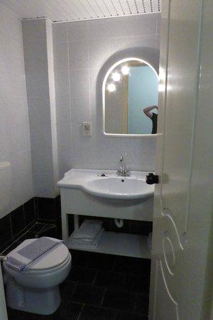 Hotel Romantica : bathroom