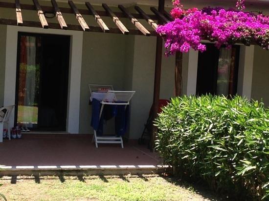 Serene Village : giardinetto della camera