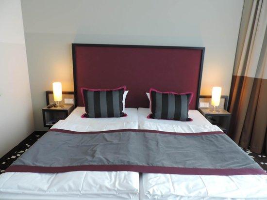 Mercure Hotel MOA Berlin: Cama extremamente confortável e grande