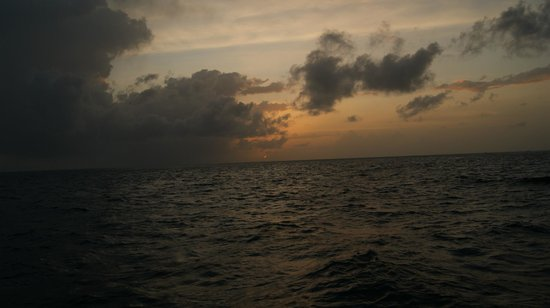 Meeru Island Resort & Spa : Sonnenuntergang