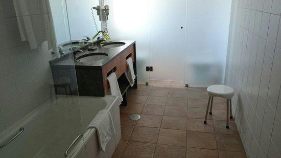 AquaLuz Suite Hotel: Bathroom
