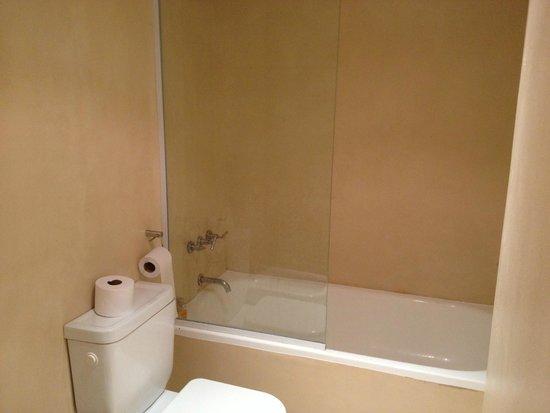 Own Recoleta : Banheiro