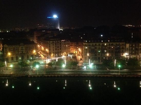 Barceló Bilbao Nervión: Suite 747. Vistas de la ria