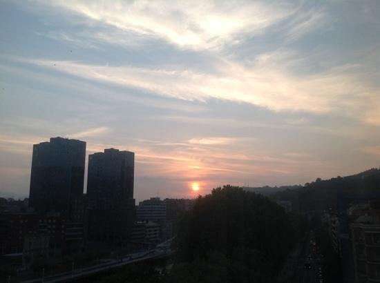 Barceló Bilbao Nervión: Suite 747. Atardecer