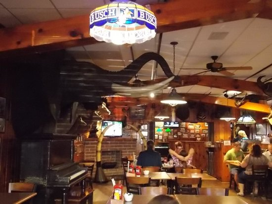 Ole's Big Game Steakhouse & Lounge: Main Dining Room