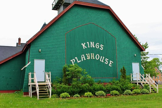 Georgetown, Kanada: Behind the playhouse is the garden